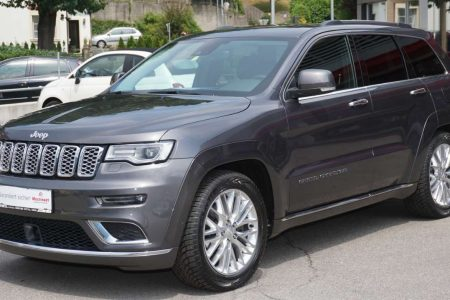 Jeep Grand Cherokee 3,0 V6 CRD Summit bei Autohaus Dörfler in
